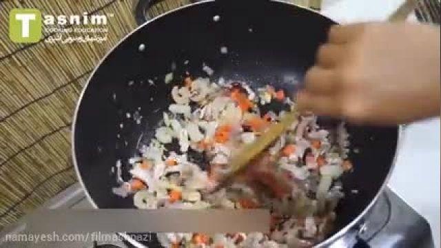 طرز تهیه برنج سرخ شده با مخلوط غذاهای دریایی