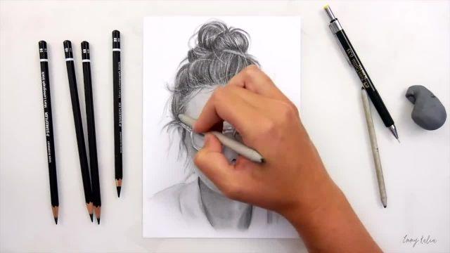 آموزش طراحی چهره سیاه قلم ( زن عینکی )