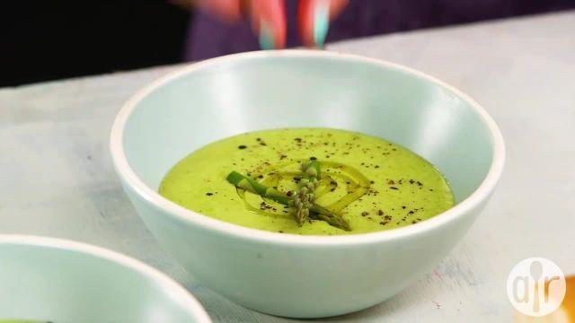 طرز تهیه سوپ مارچوبه بسیار خوشمزه در یک دقیقه