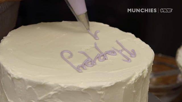 نحوه تزیین کیک مثل یک سر اشپز حرفه ای !