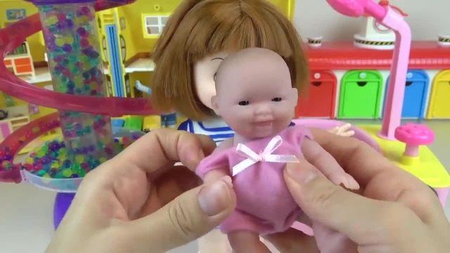 کارتون عروسک بازی دختر کوچولو - گردش کوچولو ها در پارک