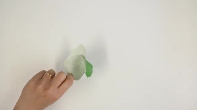 آموزش تصویری ساخت کلاه کاغذی با کاغذ رنگی در منزل