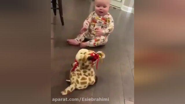 کلیپ بسیار دیدنی از نوزادان بسیار بامزه !