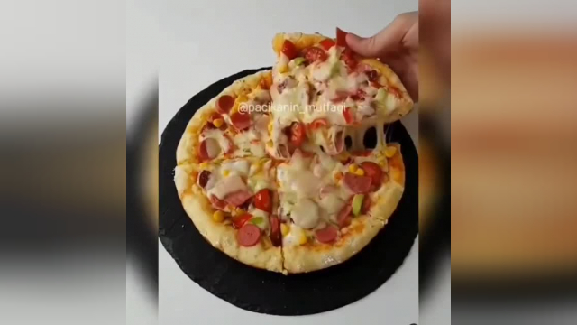 آموزش طرز تهیه پیتزا در کمترین زمان و بدون نیاز به فر