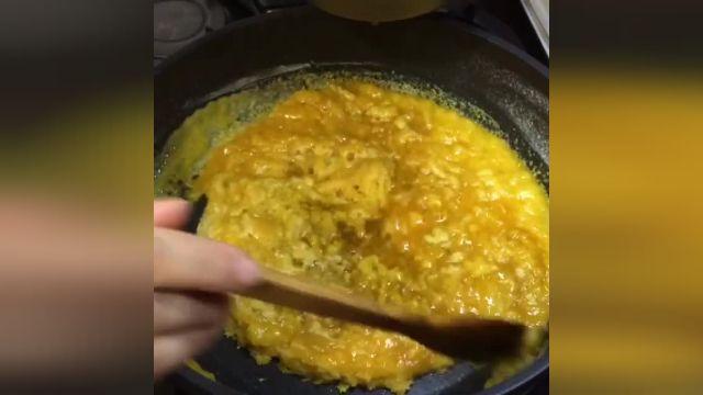 آموزش طرز تهیه حلوای زعفرانی با طعم خوب و عطر بینظیر