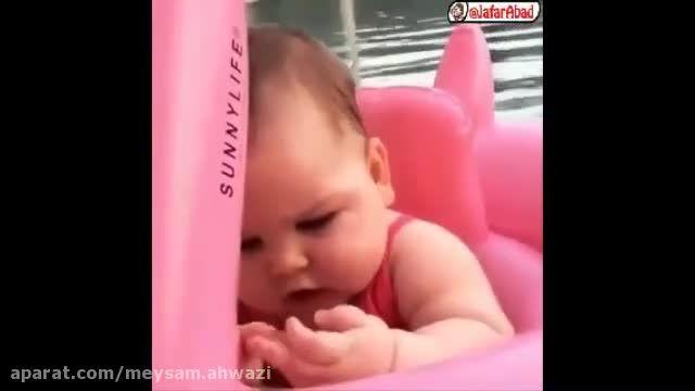 کلیپ بسیار دیدنی از نوزاد خوشگل و خوردنی !ً