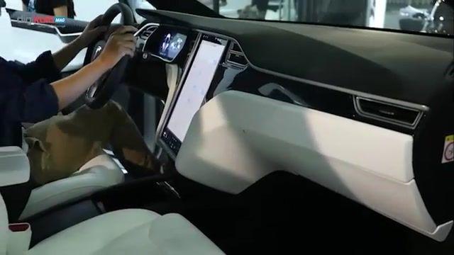 اتومبیل های خودران مدل X و مدل S شرکت تسلا
