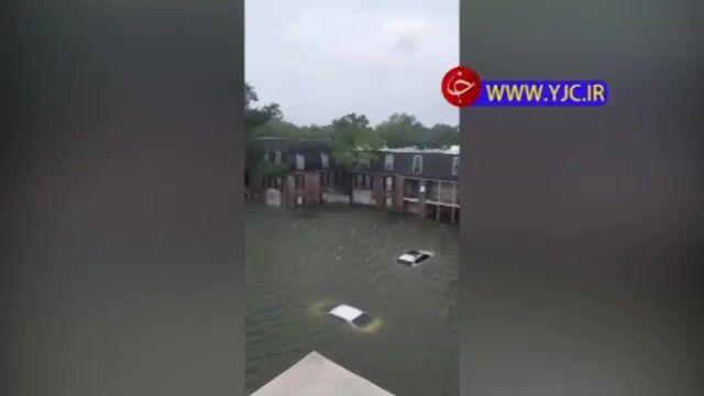 طوفان سهمگین در تگزاس و وقوع سیل به عمق 4 متر!