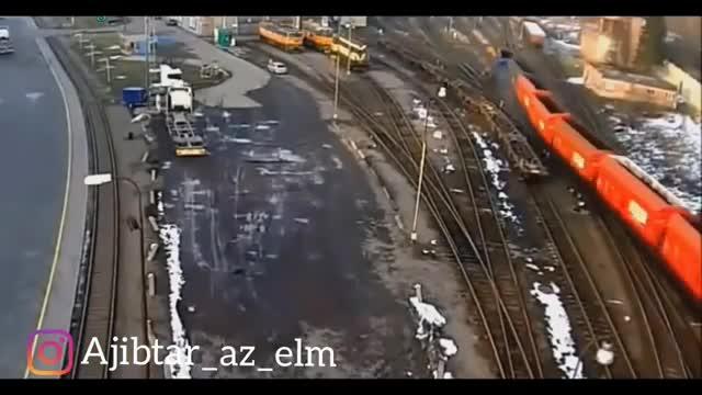 تصادفات قطار با خودروها روی ریل قطار