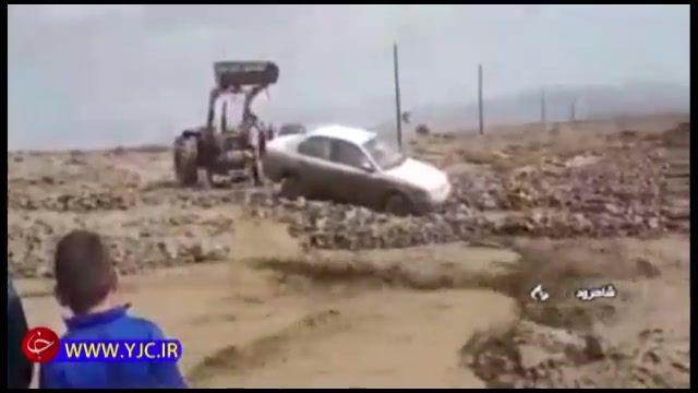 خسارات سیل گلستان به تاسیسات زیربنایی و راه ها و گرفتار شدن خودروها