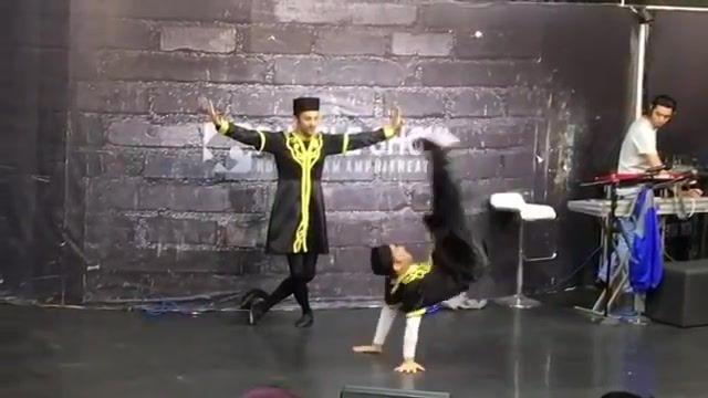 رقص اذری اکبر اقبالی