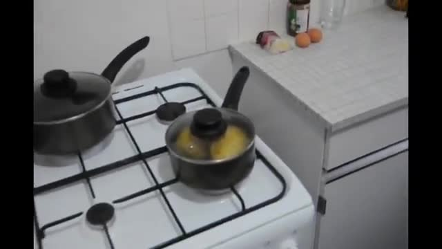 How To Make Pot Potato Omelette - آموزش درست کردن املت سیب زمینی کاسه ای