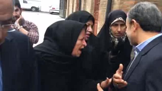 بانوی تهرانی خطاب به احمدی نژاد : الهی لال از دنیا برن اونایی که دنبالت حرف میزن