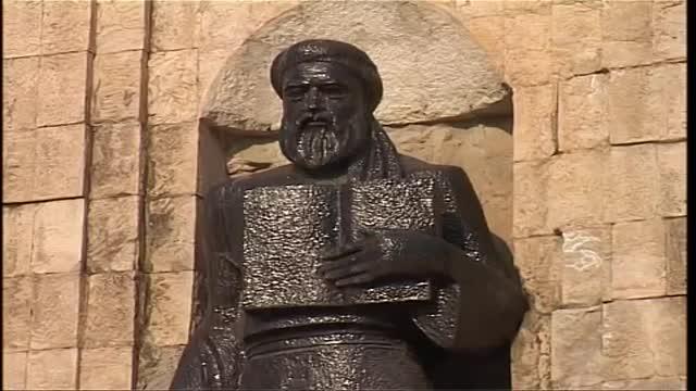 دوشنبه پایتخت تاجیکستان شهر مجسمه های مشاهیر ایرانی