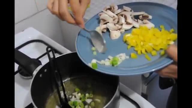 How To Make Vegetable Omelette - آموزش درست کردن املت سبزیجات