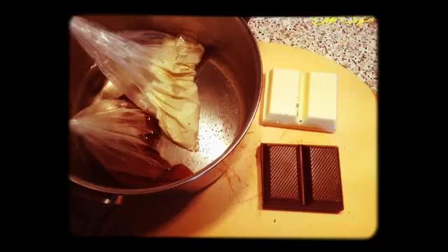 ♨️ دیزاین شکلات سفید و قهـوه ای برای دسر ♨️