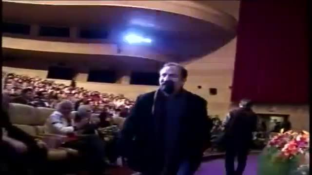 جایزه اصغر فرهادی در یازدهمین جشن حافظ علی معلم برای فیلم دایره زنگی / Asghar Farhadi & Ali Moallem