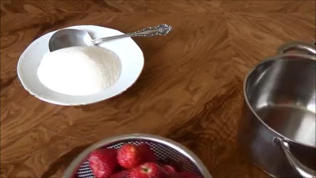 مربای توت فرنگی