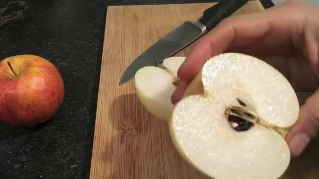 How To Eat Asian Pear - معرفی و آموزش خوردن گلابی آسیایی