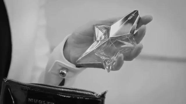 عطر سفیر-انقلابی در دنیای عطری و عطرهای تیری موگلر با قابلیت شارژ مجدد