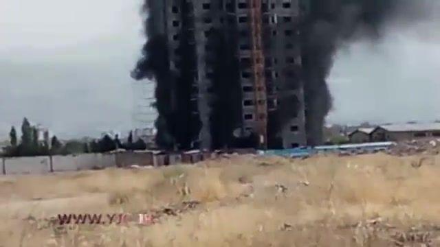 آتش سوزی عظیم در ساختمان در حال ساخت در غرب تهران
