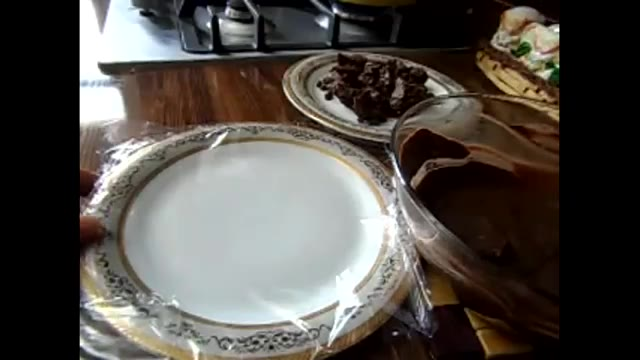 ذوب کردن شکلات برای کارهای تزیینی