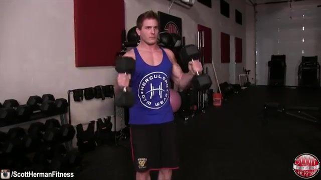 5 حرکت برتر جلو بازو با دمبل (پروبادی)