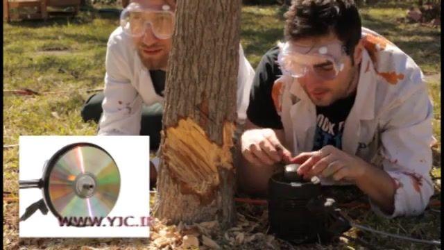 فیلمبرداری از سی دی در حال چرخش با سرعت بسیار بالا با دوربین های مخصوص