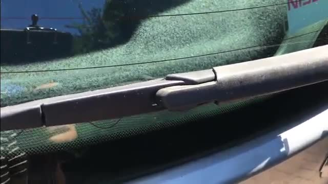 How To Change Front and Rear Car Wiper Blade - آموزش عوض کردن برف پاک کن اتومبیل