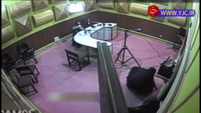 فیلمی از لحظه حمله قلبی گوینده خبر رادیو گلستان حین اجرای زنده