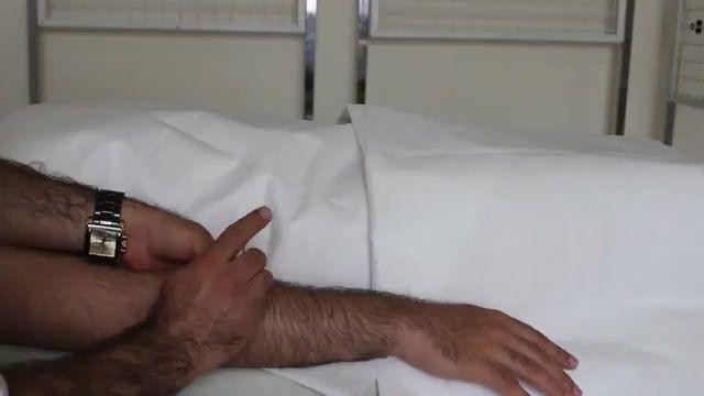 درمان درد مچ دست در نویسندگان و تایپیست ها با طب سوزنی درای نیدلینگ