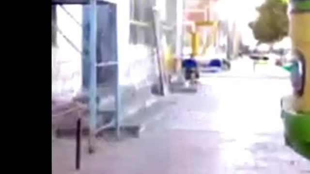 اشکنان دوربین ترسیدن توسط بوق اتوبوس hidden camera