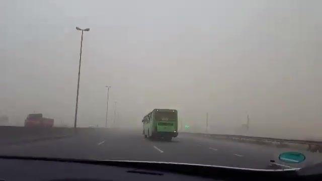 طوفان و گرد و خاک شدید امروز در اتوبان تهران ساوه