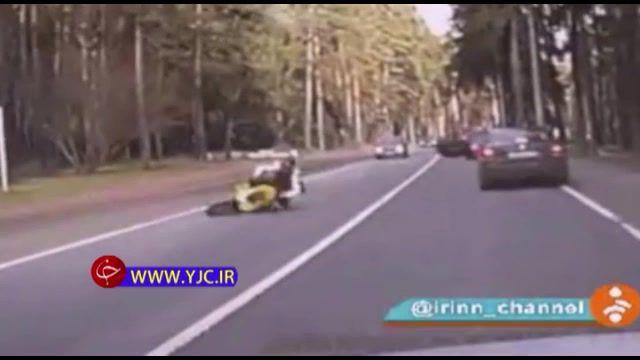 نقص فنی خودروی سواری حادثه آفرین شد