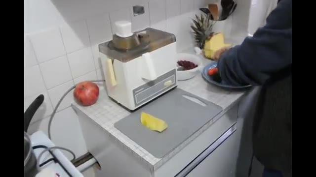 How To Make Healing Juice 2 -  آشنایی با طرز تهیه آب میوه های شفابخش, قسمت دوم