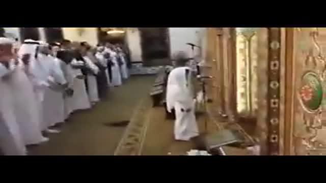 بدعت عجیب وهابیون با اقتدا به یک کودک در نماز جماعت