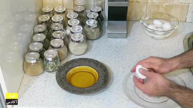 نحوه آسان پخت تخم مرغ عسلی و سفت