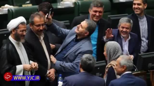 عذرخواهی نماینده مجلس شیراز بابت سلفی گرفتن با موگرینی