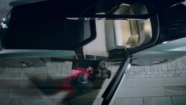 معرفی خودرویی بدون فرمان شرکت رولز رویس