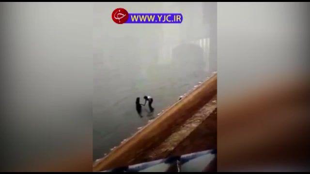 ثبت لحظه غرق شدن دو دختر جوان در دریا توسط دوربین مداربسته