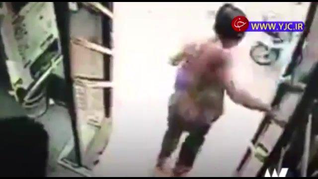 مرگ غم انگیز مسافر زن در پی پیاده شدن از اتوبوس در حال حرکت