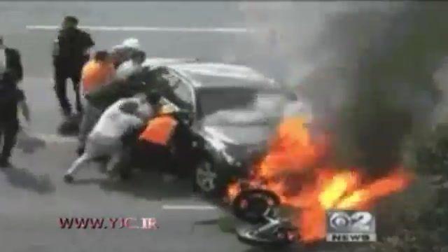 کمک مردم به فرد مصدوم بر اثر تصادف با خودرو