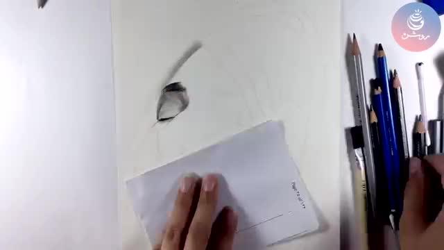 طراحی چهره با مداد گرافیتی ساده - گروه طراحی روشن