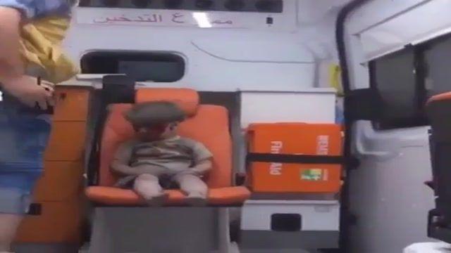 نجات کودک سوری از زیر آوار بمباران