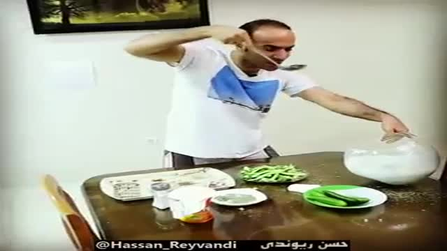 حسن ریوندی (حمام افتاب و اب دوغ خیار)