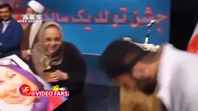 امیر تتلو: مردم ایران بی احترامی نمیکنند؛ فحش ها ساختگی و توطیه  آمریکا و انگلیس است Amir Tataloo