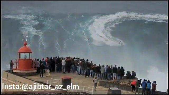 کلیپ شگفت انگیز از موج سواری در سواحل کشور پرتغال