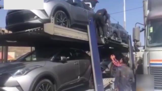 خودروهای لوکس وارداتی مسیری برای قاچاق کالا