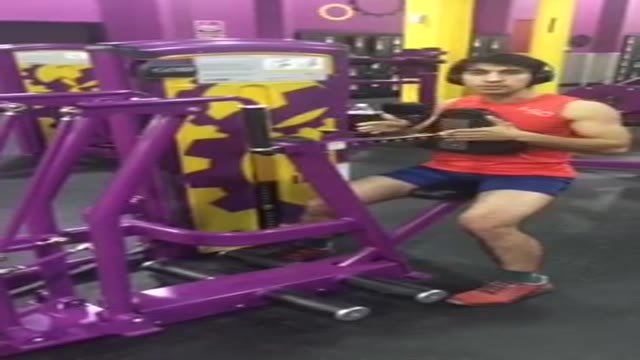 نحوه صحیح اجرای حرکت اچ بار (H بار) مناسب برای افزایش ضخامت قسمت میانی  عضلات زیر بغل