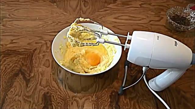 آموزش طرز تهیه شیرینی کشمشی خوشمزه و ترد در منزل